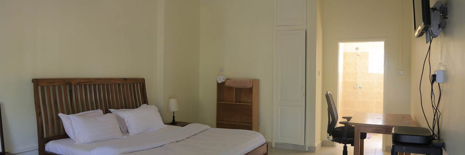 en-suite Double Bed Room - Entebbe Palm Hotel